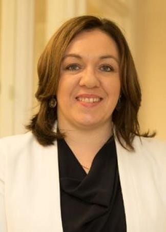 """<p class=""""hvr-title"""">Jen Cummins</p><p class=from-place>Dublin South West Inner City</p>"""