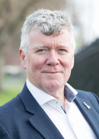 "<p class=""hvr-title"">Cllr. Dave Quinn</p><p class=from-place>Dun Laoghaire</p>"